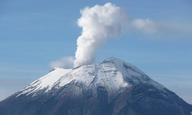 20080825-fumarola-volcan-popocatepetl-mexico
